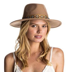 ROXY 100% WOOL FELT BEIGE TAN WESTERN HAT